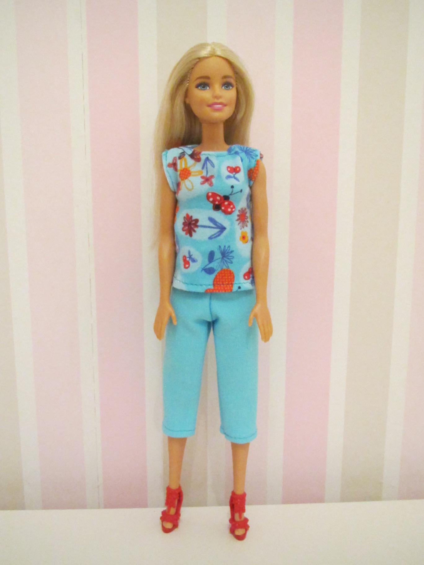 Nähen für die Barbie...ein erster Versuch - LariLa
